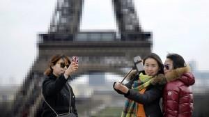 Eiffel-selfie-antonio-carralon