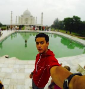 Taj-Mahal-selfie-antonio-carralon